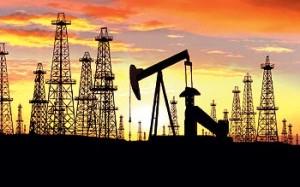 Atardecer en una zona de explotación de petroleo