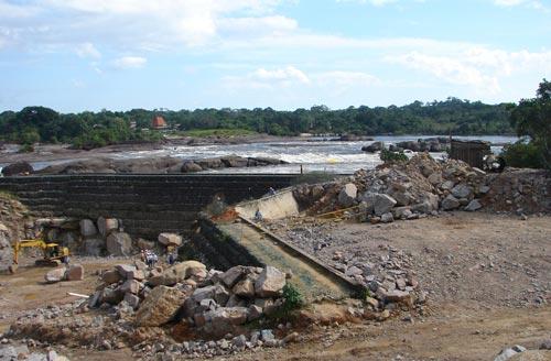 micro hidroeléctrica mitú verano 2.008